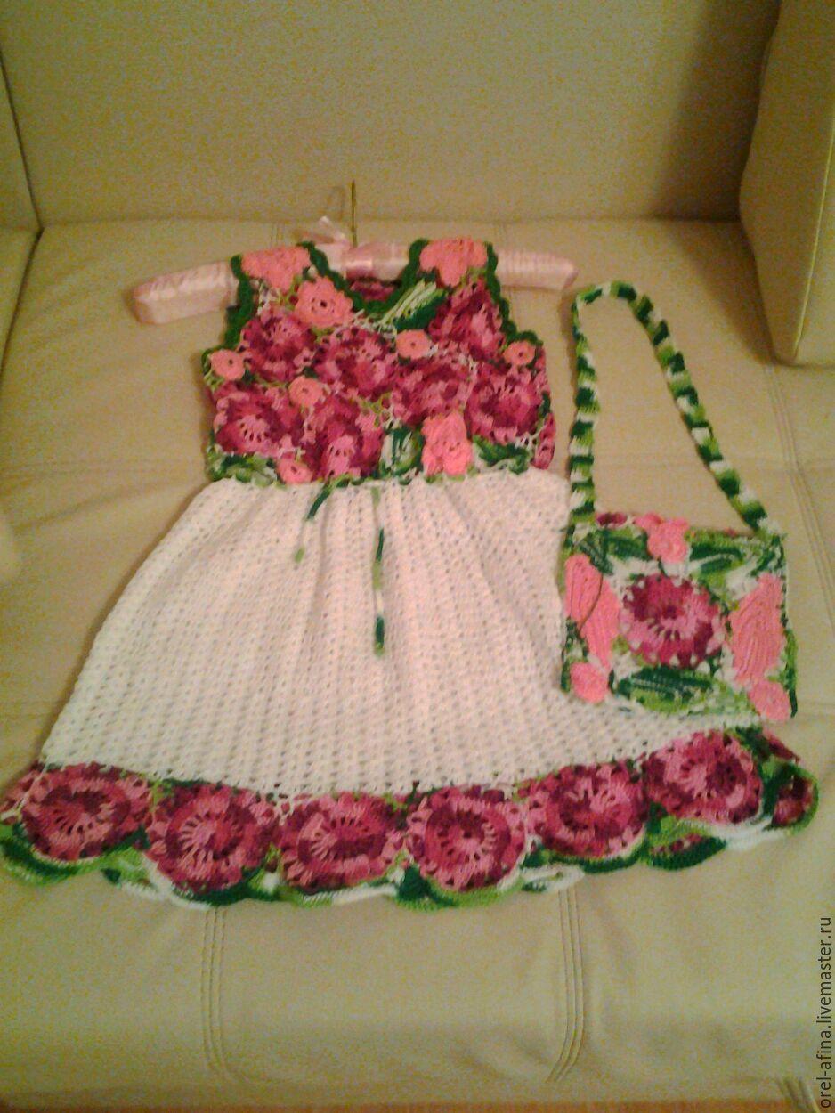 Вязаные цветы на детское платье