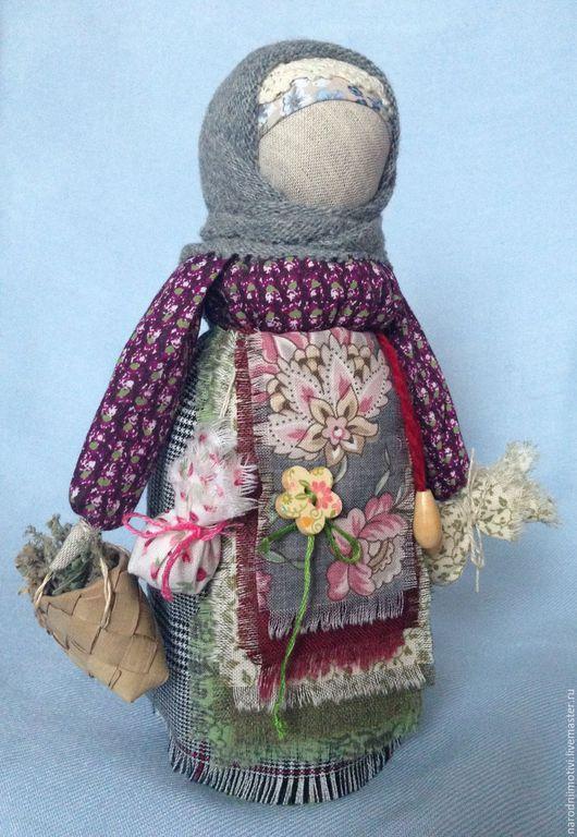 Купить народную куклу Берегиня дома, оберег для дома, оберег для семьи, русский стиль, русская традиция, куклы-обереги, авторская кукла ручной работы, бордовый, зеленый, серый, голубой