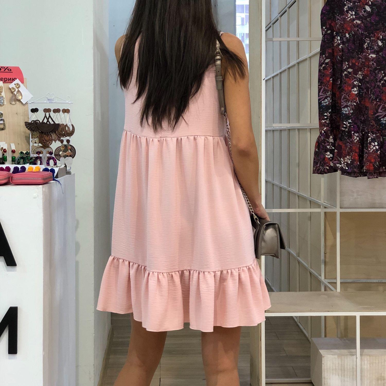 платье с воланами внизу фото естественного хвата, картинка