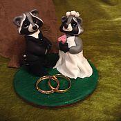 """Свадебный салон ручной работы. Ярмарка Мастеров - ручная работа Статуэтка """" Еноты - хранители любви"""". Handmade."""