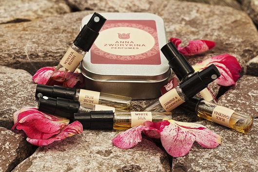 Цветочный Набор из 9  пробников натуральных ароматов в концентрации парфюмерной воды, объем каждого пробника - 1 мл