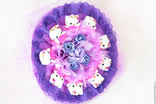 """Букеты ручной работы. Ярмарка Мастеров - ручная работа. Купить Букет из мягких игрушек """"Hello Kitty Party"""". Handmade. Фиолетовый"""