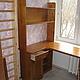 угловой письменный стол с полками и ящиком