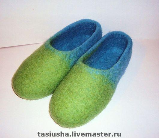 """Обувь ручной работы. Ярмарка Мастеров - ручная работа. Купить Тпочки валяные """"Двухцветные"""" зелёно-голубые. Handmade. Тапки"""
