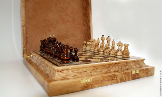 Настольные игры ручной работы. Ярмарка Мастеров - ручная работа. Купить Шахматы из карельской березы в футляре. Handmade. Подарок