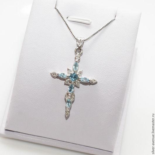 Кулон-крестик  с натуральными голубыми топазами, серебро 925