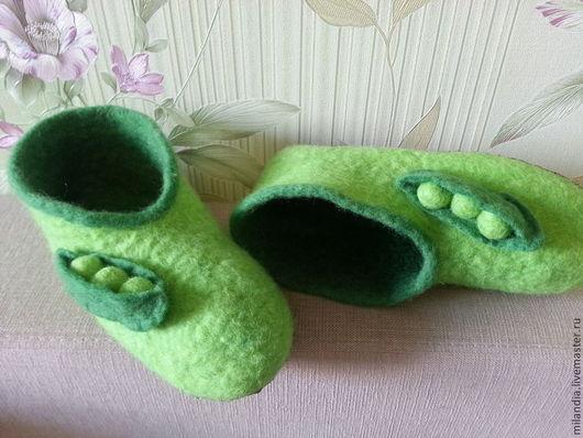 """Обувь ручной работы. Ярмарка Мастеров - ручная работа. Купить Домашние тапочки """"Горошки"""". Handmade. Ярко-зелёный, тапочки валяные"""