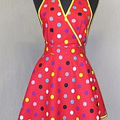 Для дома и интерьера ручной работы. Ярмарка Мастеров - ручная работа фартук-передник кухонный  женский  Монро красный гороховый. Handmade.