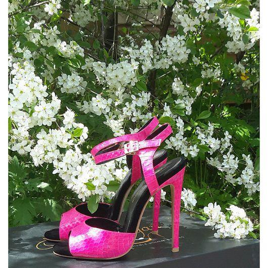 """Обувь ручной работы. Ярмарка Мастеров - ручная работа. Купить Босоножки """" Фуксия'' Модный цвет года 2017. Handmade."""