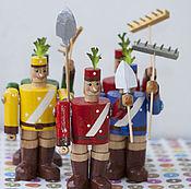 Елочные игрушки ручной работы. Ярмарка Мастеров - ручная работа Подарки: Дуболомы (14см) , Трудолюбивые лесники игрушки деревянные. Handmade.