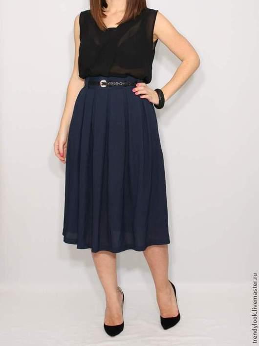 Юбки ручной работы. Ярмарка Мастеров - ручная работа. Купить Шифоновая миди юбка, темно-синяя юбка с карманами, юбка ниже колена. Handmade.