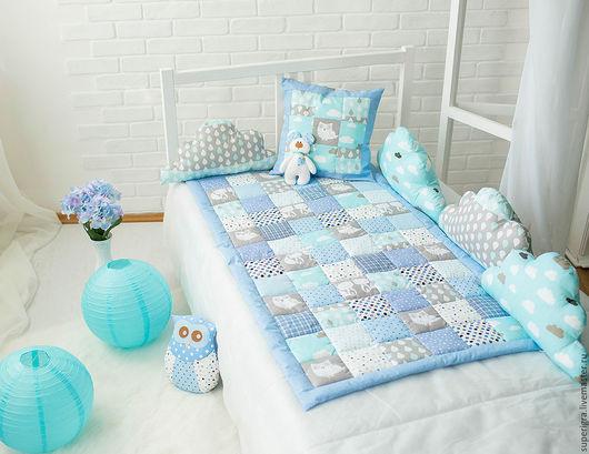 Пледы и одеяла ручной работы. Ярмарка Мастеров - ручная работа. Купить Комплект в кроватку в серо-голубых тонах. Handmade. Голубой