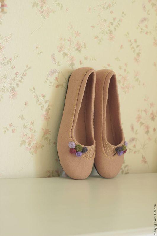 """Обувь ручной работы. Ярмарка Мастеров - ручная работа. Купить """"Версаль 2"""" туфельки балетки валяные. Handmade. Бежевый, розочки"""
