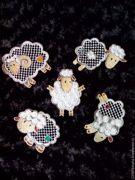 Новый год 2017 ручной работы. Ярмарка Мастеров - ручная работа. Купить Подвеска на елку овечка.. Handmade. Белый, новогодний сувенир