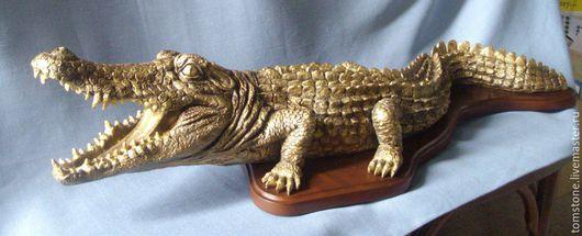 """Элементы интерьера ручной работы. Ярмарка Мастеров - ручная работа. Купить Скульптура """"Крокодил"""". Handmade. Комбинированный, оригинальный подарок, полистоун"""