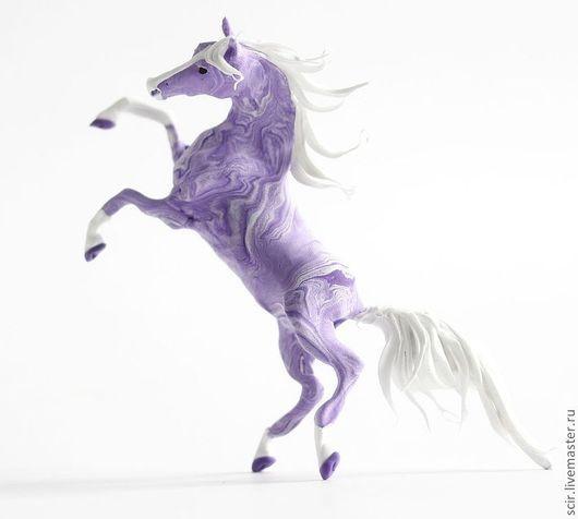 """Аксессуары для фотосессий ручной работы. Ярмарка Мастеров - ручная работа. Купить фигурка маленькая """"Сиреневая лошадь"""" (фиалковая лошадь). Handmade."""