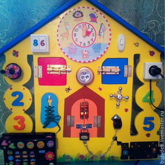 """Развивающие игрушки ручной работы. Ярмарка Мастеров - ручная работа. Купить БИЗИБОРД """"Домик"""". Handmade. Бизиборд, бизиборд москва"""