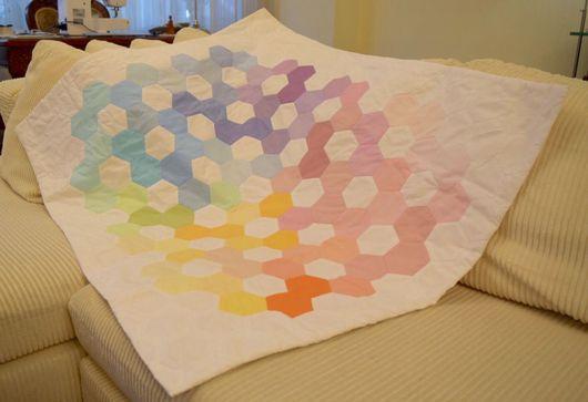 Аксессуары для колясок ручной работы. Ярмарка Мастеров - ручная работа. Купить Лоскутное одеяльце для малыша в кроватку или коляску. Handmade.