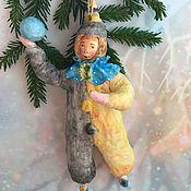 """Елочные игрушки ручной работы. Ярмарка Мастеров - ручная работа """"Клоун с голубым мячиком"""" ватная елочная игрушка. Handmade."""