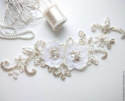 Свадебная подвязка из расшитого кружева
