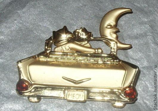 """Винтажные украшения. Ярмарка Мастеров - ручная работа. Купить Брошь """"Кот и кошечка в кабриолете"""" под золото (A.J.C. США). Handmade."""