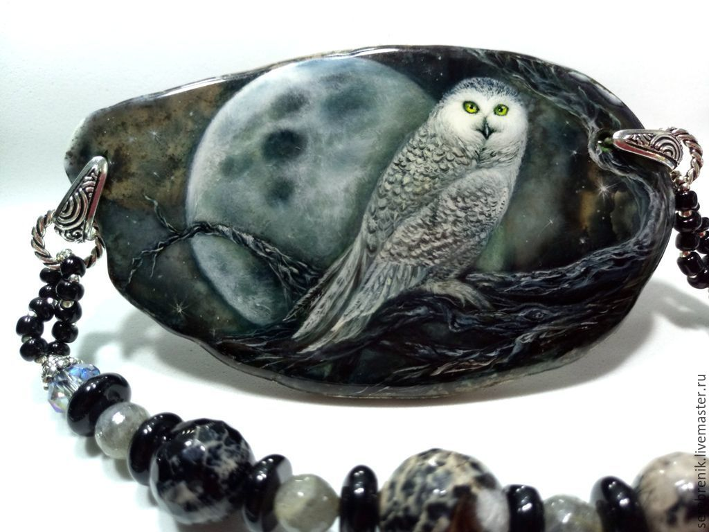 The snowy owl is a large necklace with lacquer miniature on the cut agate, Necklace, Moscow,  Фото №1
