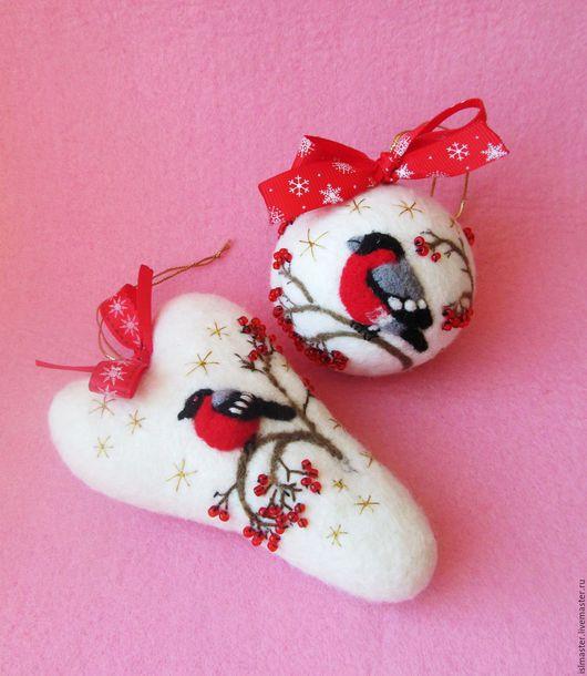 Ёлочные игрушки - новогодний шар и сердце Снегирь