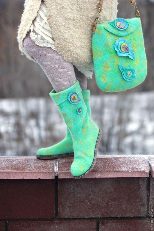 """Обувь ручной работы. Ярмарка Мастеров - ручная работа. Купить Комплект """"Райская птичка"""". Handmade. Разноцветный, голубые сапожки"""