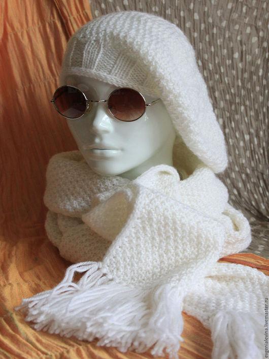 """Береты ручной работы. Ярмарка Мастеров - ручная работа. Купить Женский комплект """"Берет + шарф белого цвета"""". Handmade."""