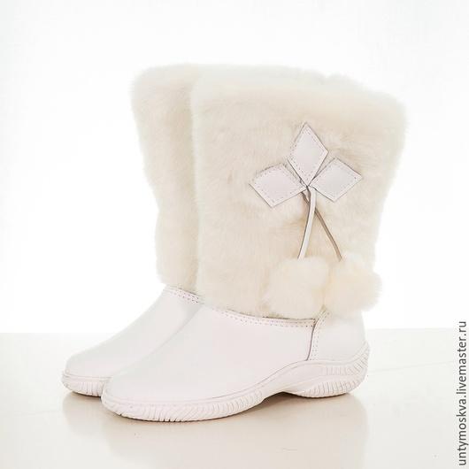 Обувь ручной работы. Ярмарка Мастеров - ручная работа. Купить Унты женские ( литая подошва ) уж59. Handmade.
