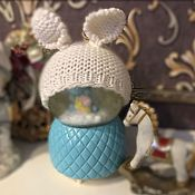 Одежда для кукол ручной работы. Ярмарка Мастеров - ручная работа Вязанная шапочка Зайка для куклы на ОГ 28-29см. Handmade.