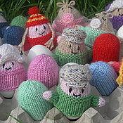 Подарки к праздникам ручной работы. Ярмарка Мастеров - ручная работа Вязаные пасхальные сувениры из шерсти грелочки для яиц. Handmade.