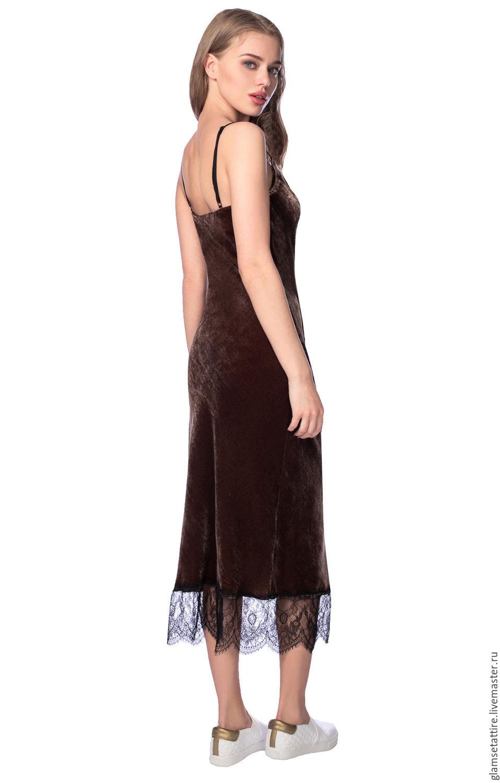 С чем комбинировать бархат в платье