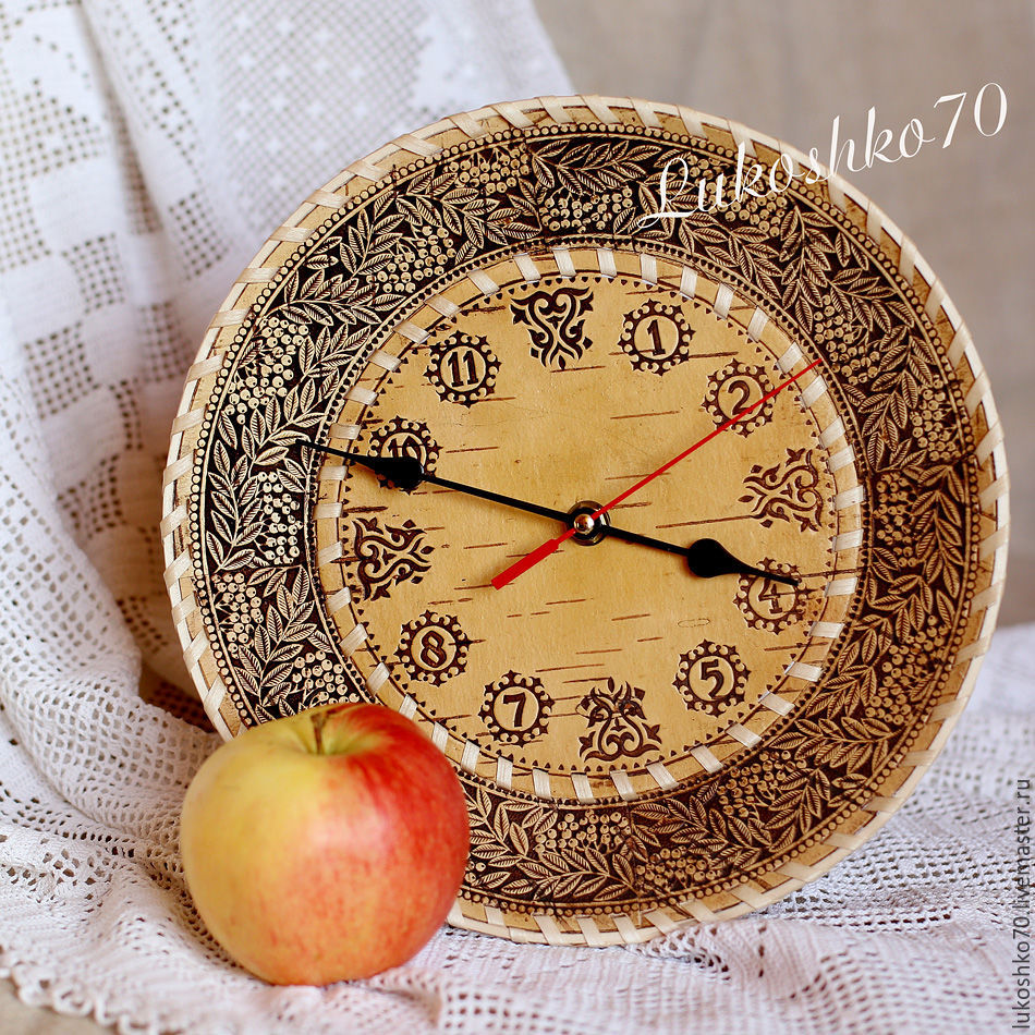 Watch for the house of birch-bark, medium. Watch for the garden. Watch round, Souvenirs3, Tomsk,  Фото №1