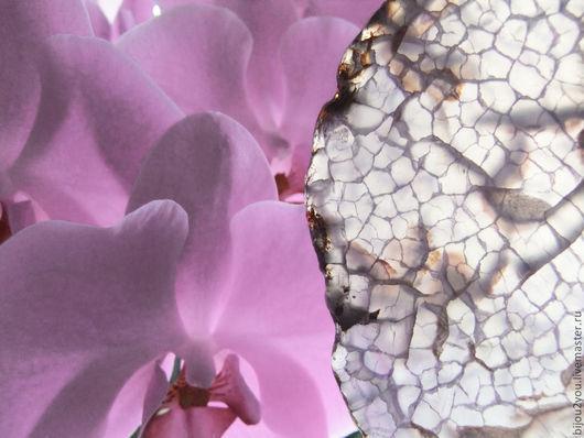 Колье, бусы ручной работы. Ярмарка Мастеров - ручная работа. Купить Лепесток орхидеи колье. Handmade. Бледно-сиреневый