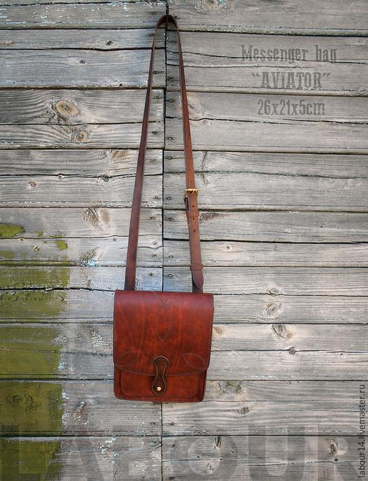 Мужские сумки ручной работы. Ярмарка Мастеров - ручная работа. Купить Кожаная сумка-мессенджер Aviator, планшет милитари. Handmade.