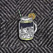 Украшения ручной работы. Ярмарка Мастеров - ручная работа Значок Коктейль Космос, космонавт в стакане, космонавт, эмаль. Handmade.