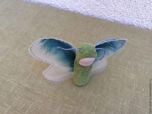 Вальдорфская игрушка ручной работы. Ярмарка Мастеров - ручная работа. Купить Бабочка-куколка-гусеничка, вальдорфская игрушка. Handmade. Оливковый