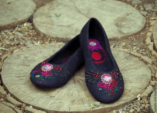 """Обувь ручной работы. Ярмарка Мастеров - ручная работа. Купить Тапочки-балетки """"Матрёшки"""". Handmade. Черный, Тапочки ручной работы"""