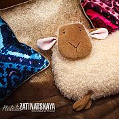 """Куклы и игрушки ручной работы. Ярмарка Мастеров - ручная работа Подушка """"Овечка"""" - символ 2015 года. Handmade."""