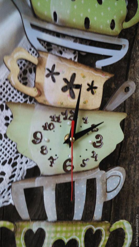 Часы для дома ручной работы. Ярмарка Мастеров - ручная работа. Купить Час для кухни. Handmade. Салатовый, часы, кухонный интерьер