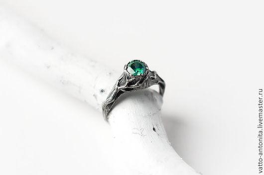 """Кольца ручной работы. Ярмарка Мастеров - ручная работа. Купить """"Ведьмин пень"""" кольцо из серебра с зеленым фианитом. Handmade. Зеленый"""