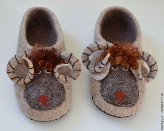 """Обувь ручной работы. Ярмарка Мастеров - ручная работа. Купить тапочки для мужчин """"барашек"""". Handmade. Ручная работа, кардочёсанная шерсть"""