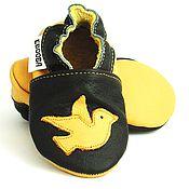 Работы для детей, handmade. Livemaster - original item Birds Baby Shoes, Baby Moccasins, Leather Baby Shoes. Handmade.