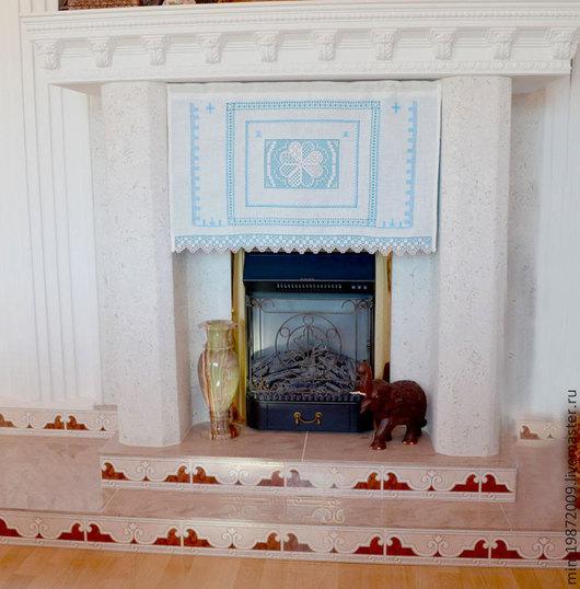 Занавеска с ручной вышивкой, панно для украшения интерьера, занавеска на окно с подкладкой, строчевая ручная вышивка на льне. Украшение для камина. синий, бирюзовый, белый