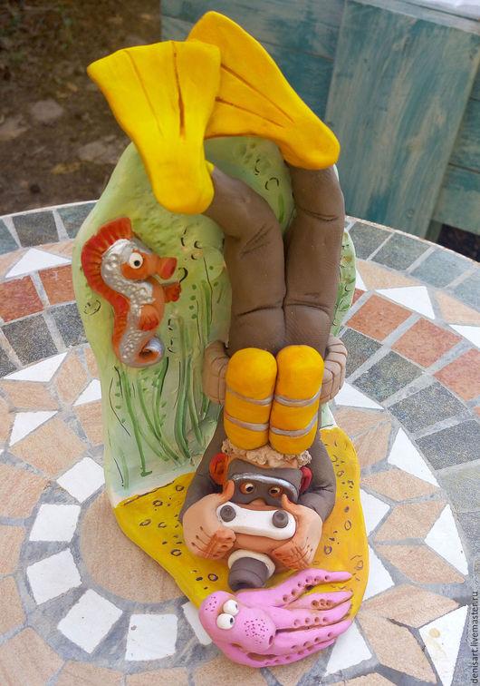 Статуэтки ручной работы. Ярмарка Мастеров - ручная работа. Купить Фотограф- аквалангист с осьминогом. Handmade. Комбинированный, фотографу, осьминог