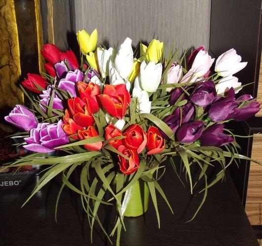Букет тюльпанов с осокой Высота 30 см Цена указана за 1 букет При заказе указывайте цвет (под фото) слева-направо