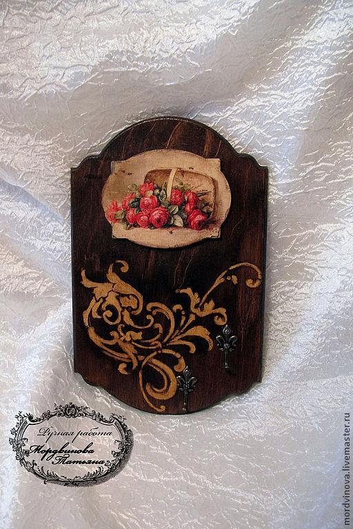 """Прихожая ручной работы. Ярмарка Мастеров - ручная работа. Купить ключница-панно """"Розы"""". Handmade. Коричневый, ключница панно"""