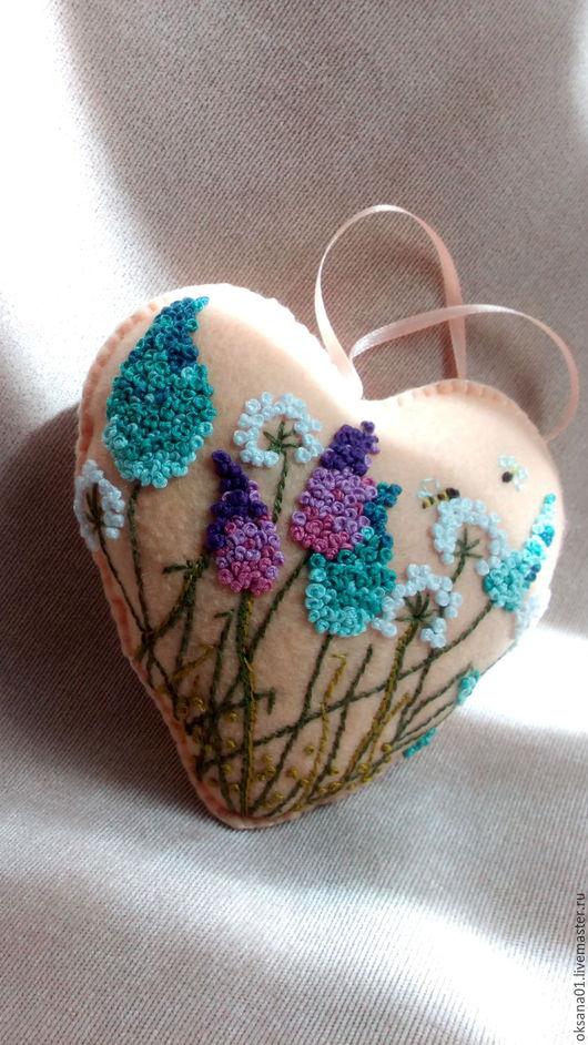 Подвески ручной работы. Ярмарка Мастеров - ручная работа. Купить Фетровое сердце. Handmade. Интерьерное украшение, сердце, бежевый
