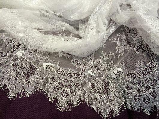 Кружево Шантильи тонкое. Используется для пошива свадебного платья. Цвет белый и молочный (айвори)